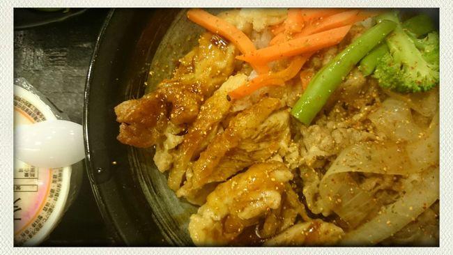 Lunch Japanese Food 牛雞雙寶丼
