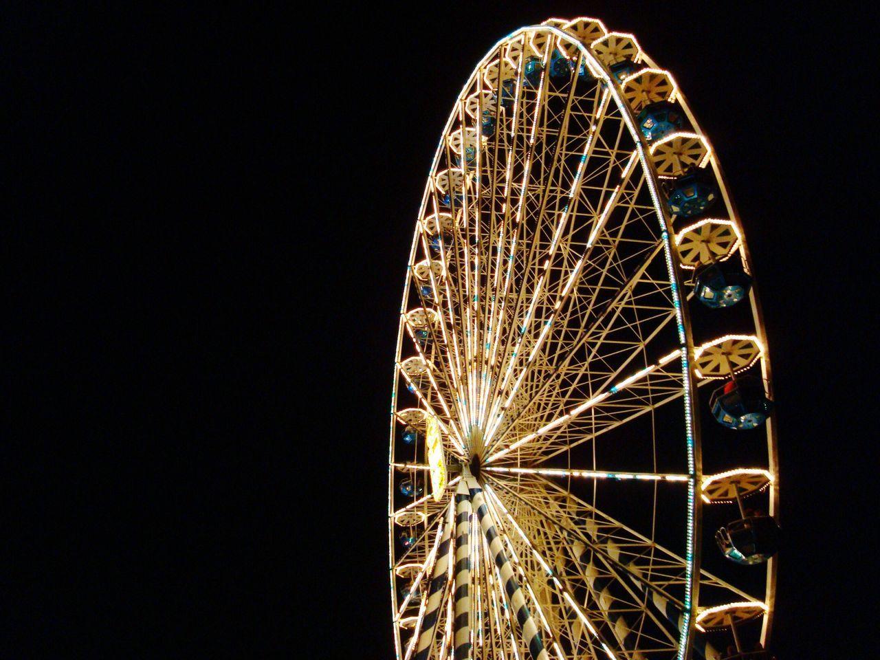 Riesenrad Ferry Wheel Arts Culture And Entertainment Amusementpark Night Illuminated