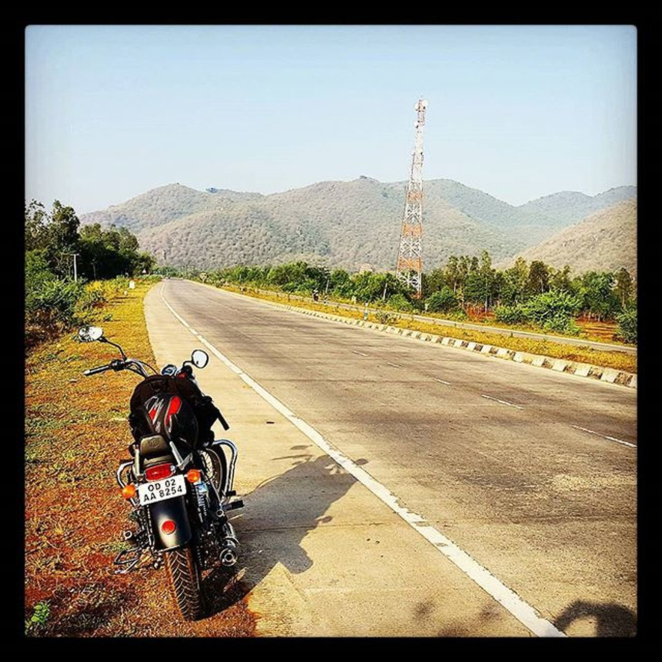 Royalenfieldbeasts Royalenfield Thunderbird Bhubaneswar Odisha Travel Samsung Galaxy S6