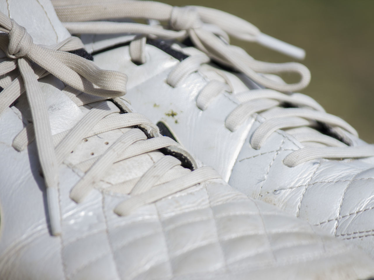 Chaussures de Foot Blanco Close-up Cordon Deporte Focus On Foreground Futbol Shoes White