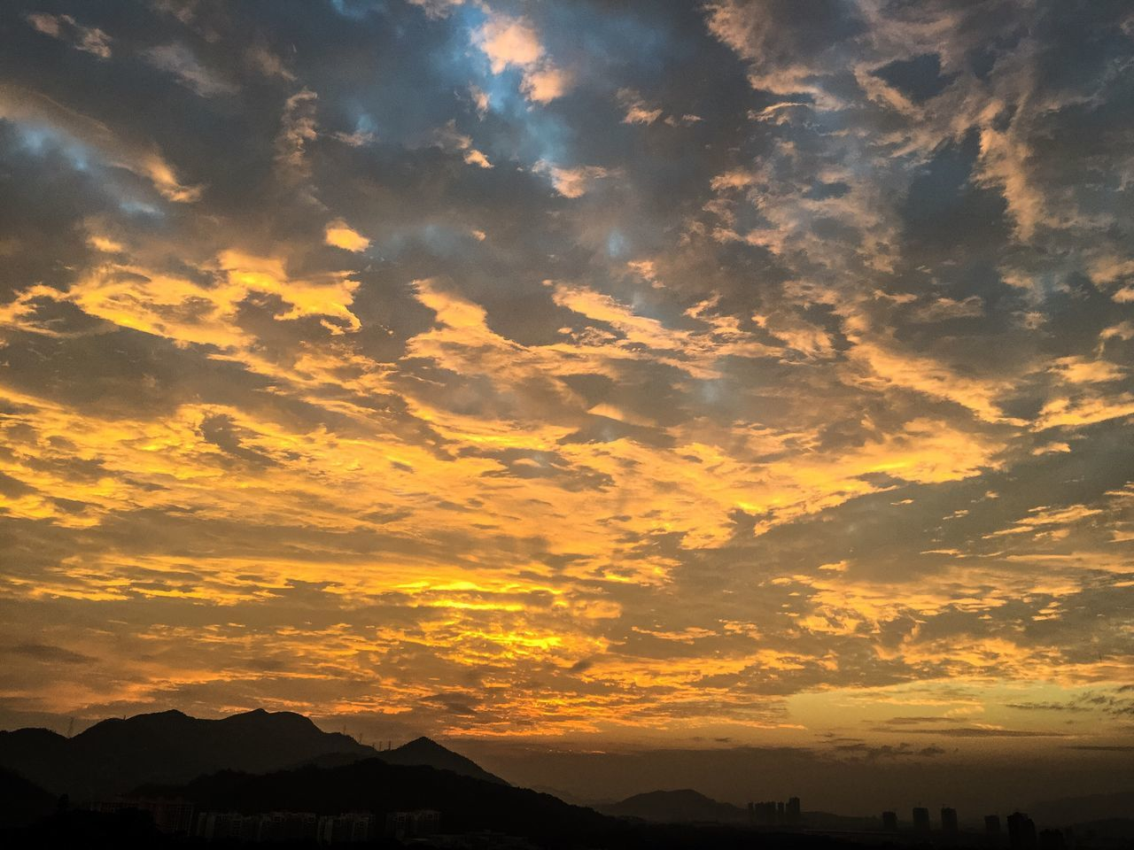 Sunset Sky Cloud - Sky Beauty In Nature Nature Scenics Dramatic Sky Yellow Zhuhai BEIJING北京CHINA中国BEAUTY China Mountain No People Outdoors Travel Destinations Tranquility Mountain Range Tranquil Scene Silhouette Astronomy