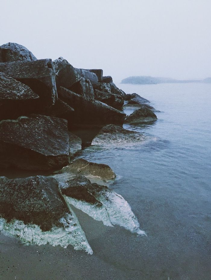 Rocky Beach Lakescape Lake Michigan Mpfratesi At The Beach Beach Photography Seascape Seaside Lakeshore Rocky Beach Bluewater Foggy Day Beautiful Nature Beauty In Nature Northshorebeach First Eyeem Photo Fog Over Water Beachscapeeather] _CollectionLandscape_photographyy Seafog Tranquility Tranquil Scene Peace And Quiet