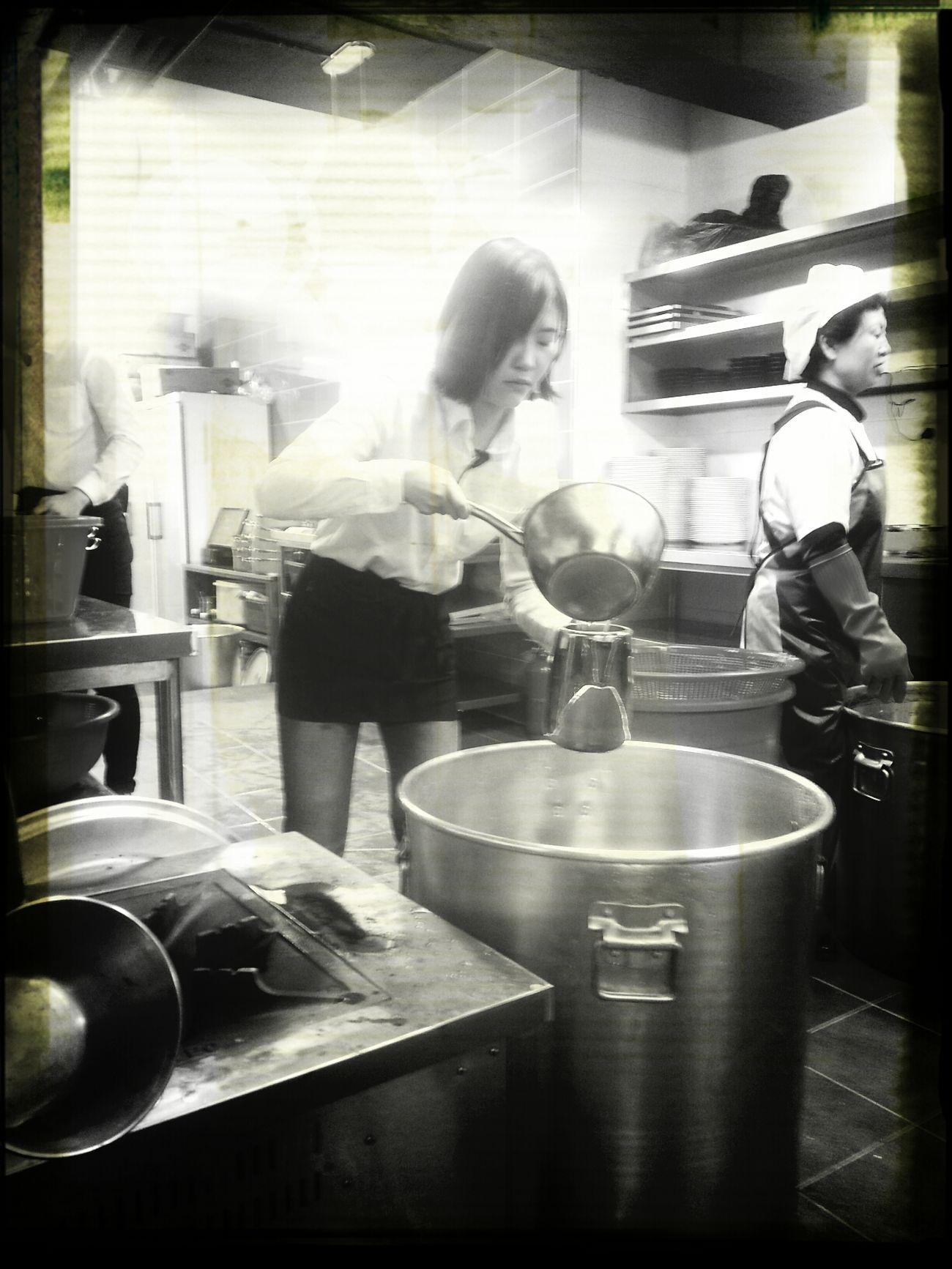 Kitchen Woman 겨운 사래공주...