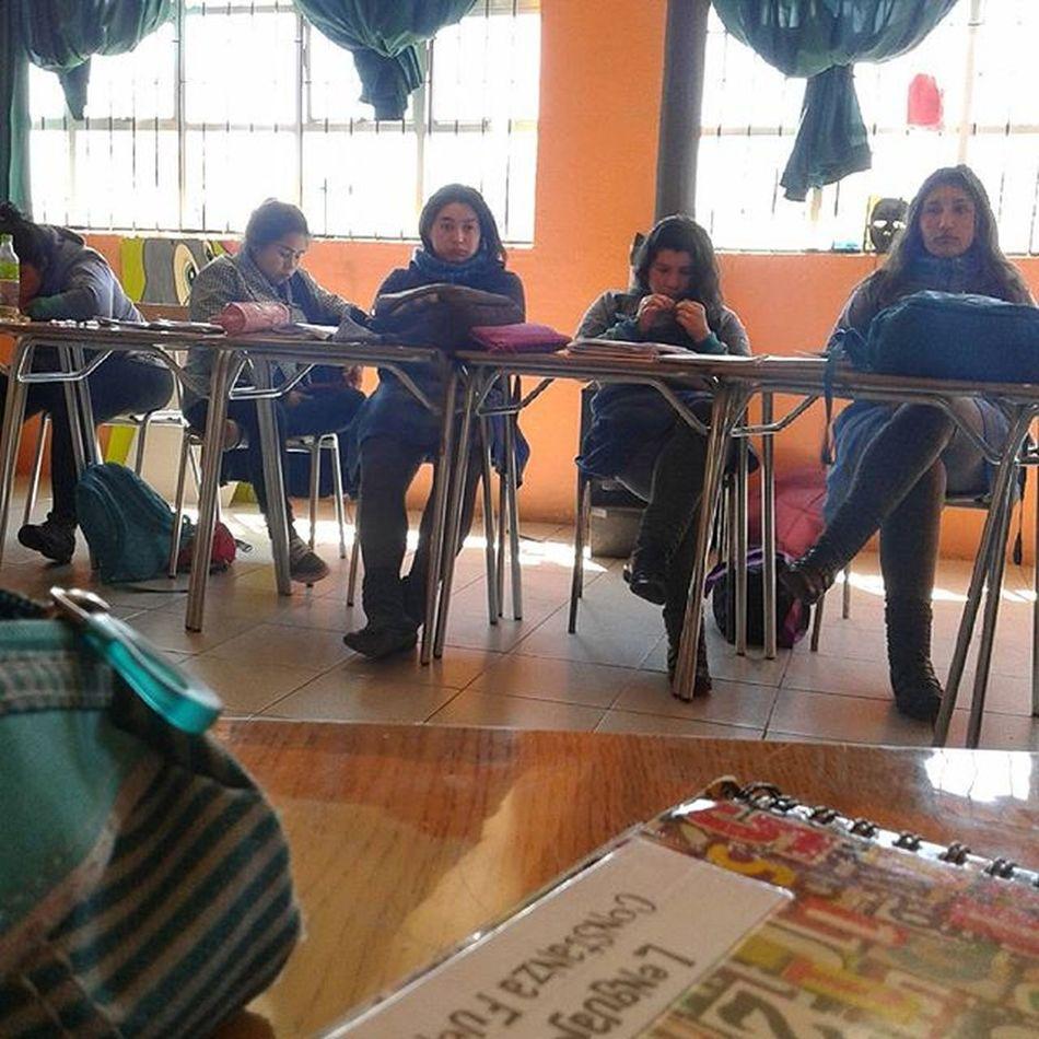 Super entrete la clase 👌 jajajajaja Rostrospls Instachile Cuartomedio CuentaRegresiva Quedapoco @catalinarojas.a