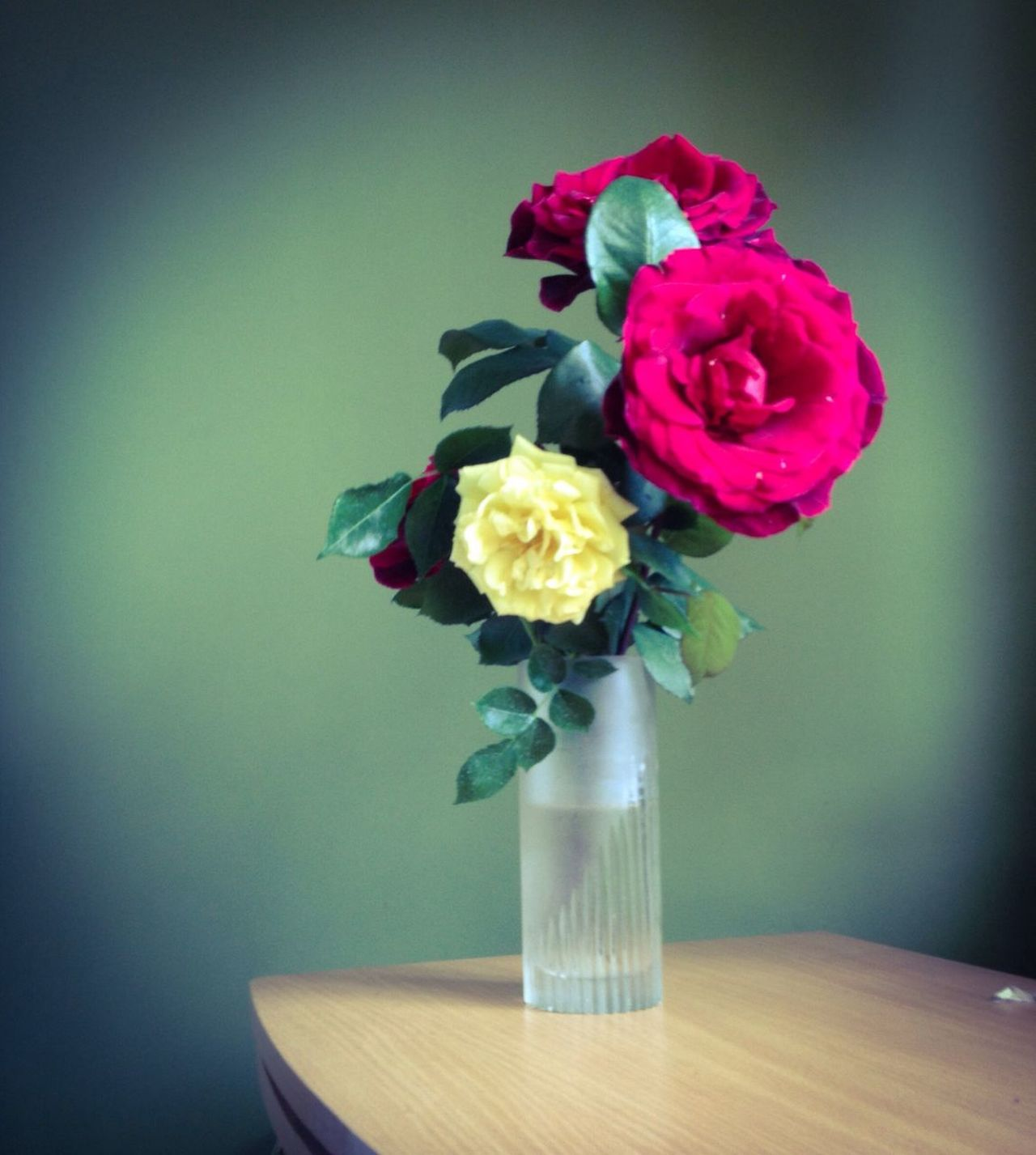 Roses Roses Rose♥ Red Red Roses Yellow Roses Flowers Bouquet Bouquet Of Roses Vase Blossom
