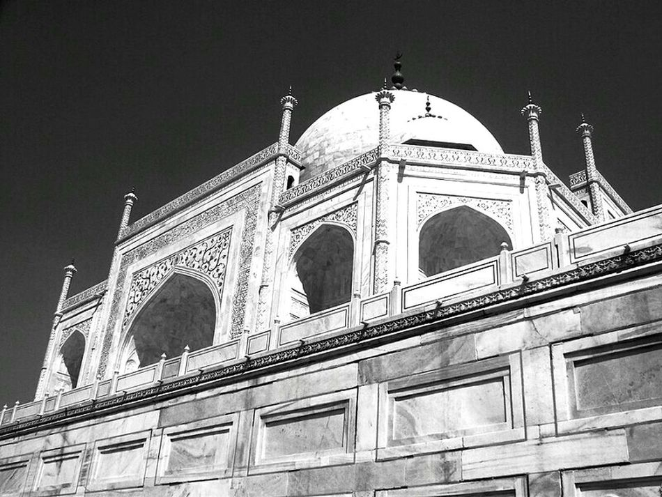 Something to Look Up to. Taj Mahal World Heritage Site Wonders Of The World Agra Indianphotography India India Architecture India Culture EyeEm Best Shots - Black + White EyeEm Best Shots - Architecture Eyeem Market
