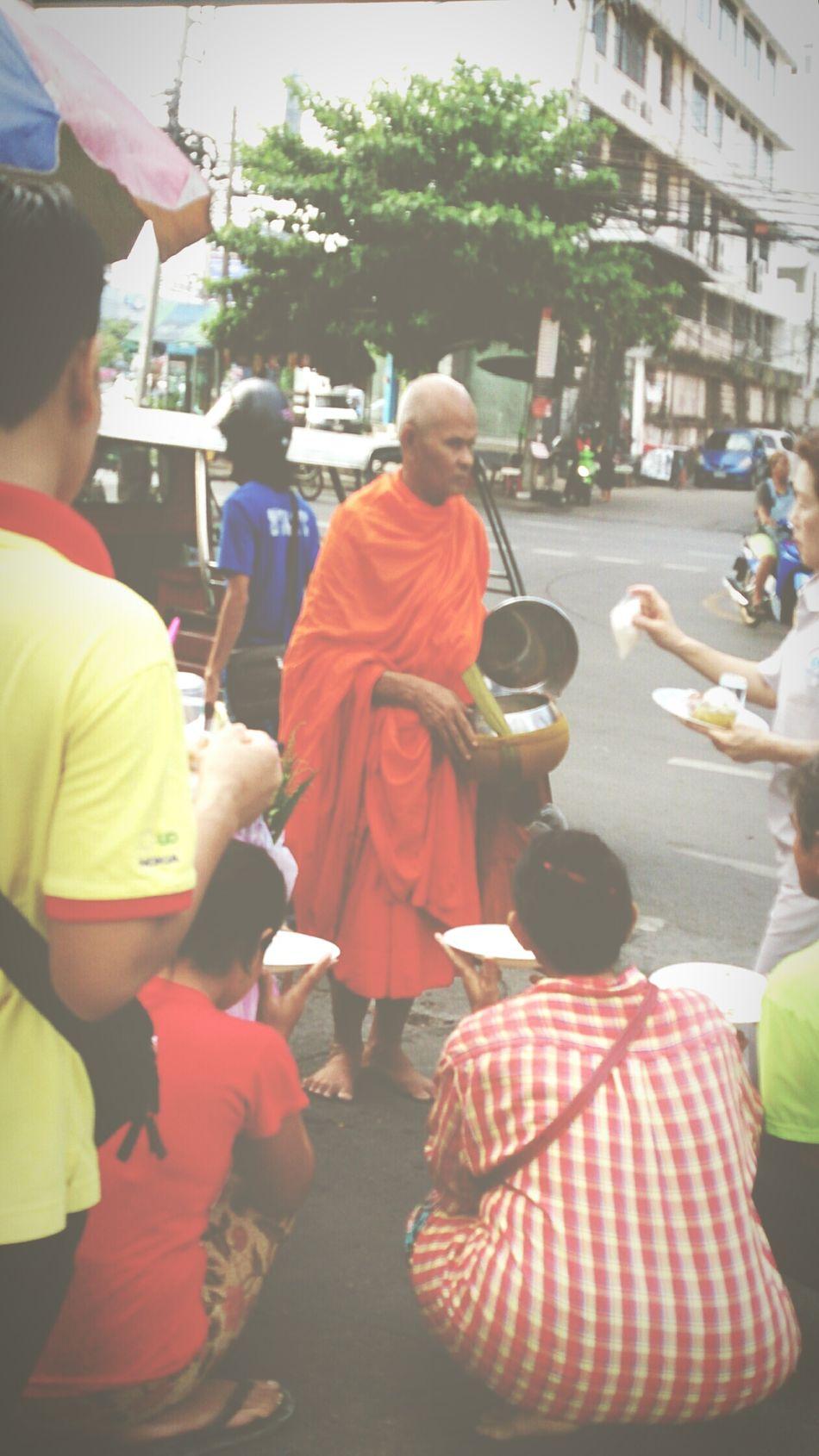 Doinggood Morning Thailand_allshots Monk  Giveaway Market Peoplephotography Bangkok