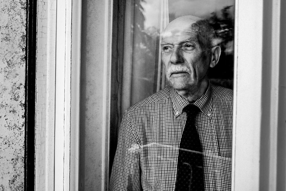 Granpa Granfather Home Home Sweet Home Love Periferiaromana Periferia Romana City Life Urbanphotography Streetphotography Street Photography Streetphotography Urbanphotography Roma City Showing Imperfection