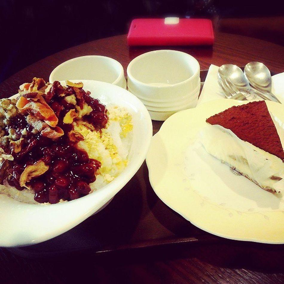맛있는 팥빙수 티라미수 케익 蛋糕이태원 Cafe New York 먹스타그램