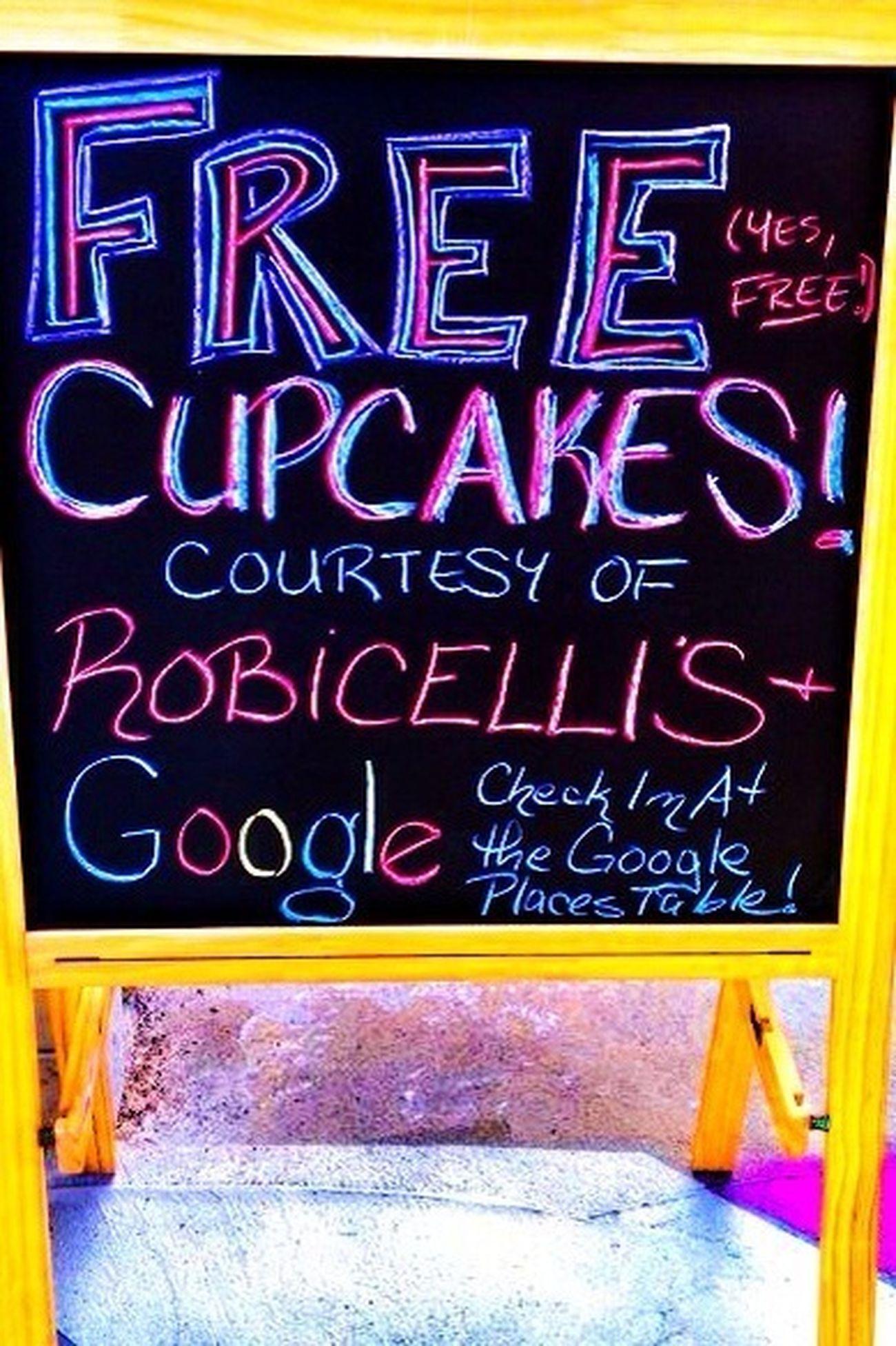 ...free Cupcakes...