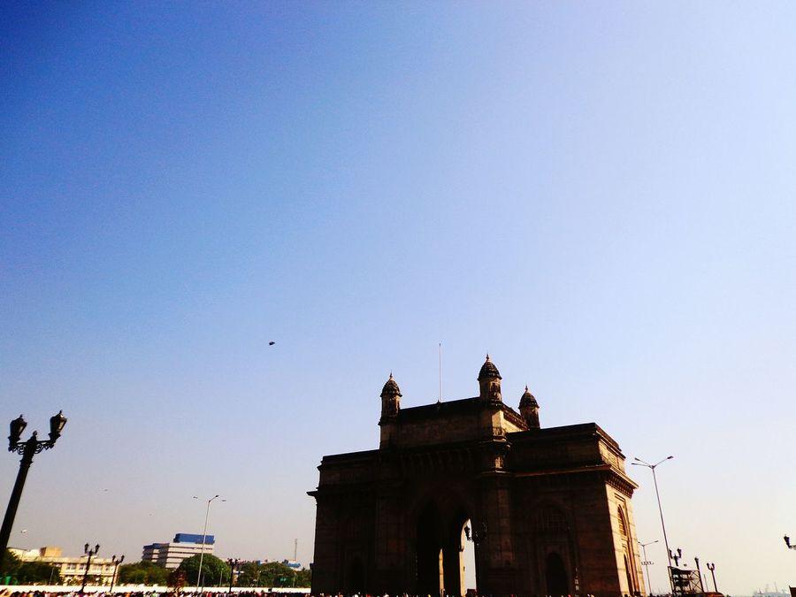 Standing tall,standing firm. Gatewayofindia Worldcities Mumbai Mumbai_in_clicks India Indiancities Theplacetobe  Aamchimumbai Indian Heritage Mobilephotography Check This Out Touristdiaries Hello World