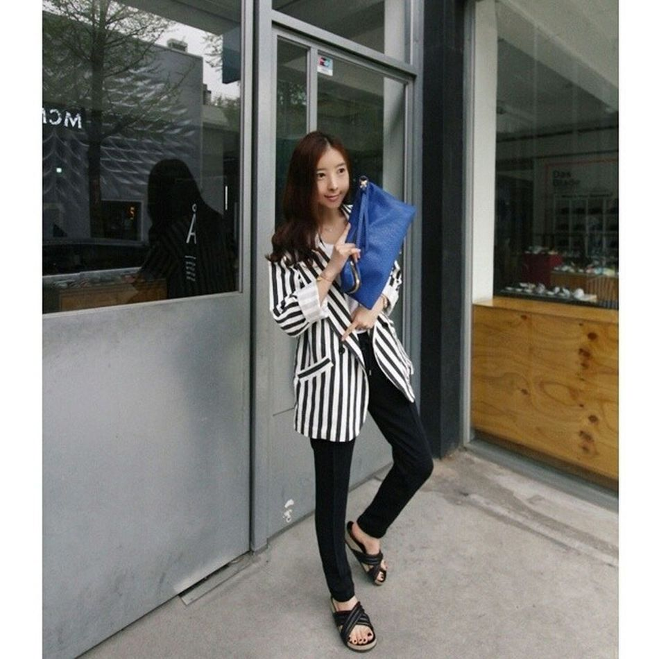 Today is an outfit :) Stripe Slacks Slides Look black fashion spring april