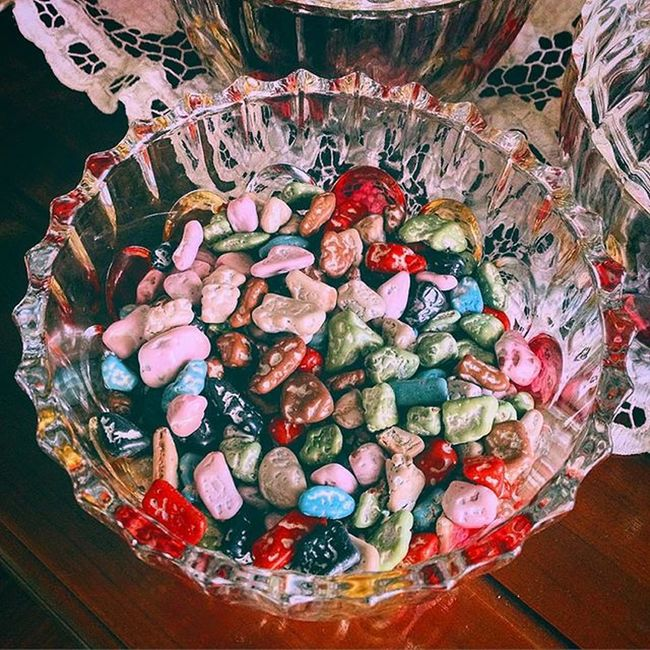 Want some chocolate? 😋👌🏻🍬🍫 Nukaly Nukalychocolate Makkah 1932 Chocolate Sands Sweets Candy Coats Colorful Food Photo Photography Instafood Instagood Instagram Like Love Eyeemphotography Eyeem4photography EyeEmBestPics EyeEm Best Edits EyeEm