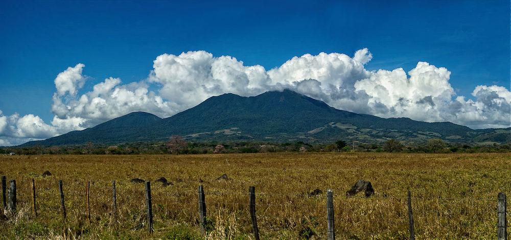 camino a rio chiquito de bagaces se ve el volcan tenorio a mano derecha Beauty In Nature Cloud - Sky Landscape Mountain Nature Outdoors Rural Scene Sky Travel Destinations Vacations