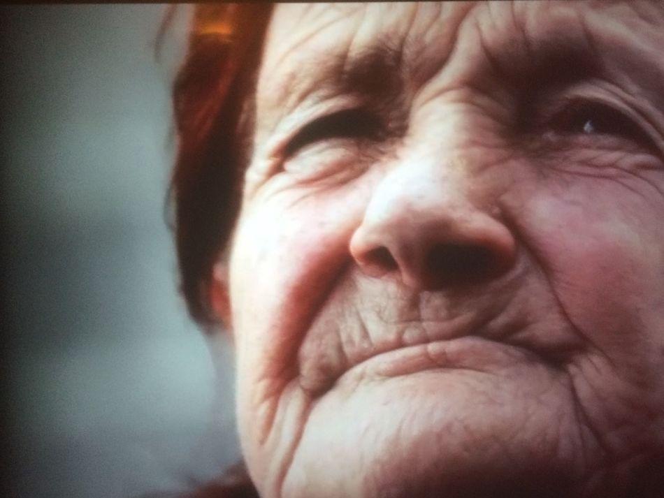 Amália tantos anos de vida como rugas de expressão,olhos habituados a observar a natureza First Eyeem Photo