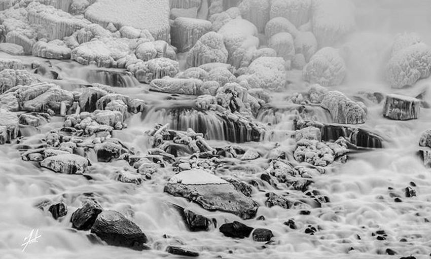 Niagarafalls Niagara USA Canada Lovethisseason Buffalony Buffalo Cliftonhill Ontario Photography Photo Photooftheday Instagood Instagram Instagramhub Insta Instagood Cold Freezing Winter Snow Beauty Water Lake Beneaththefalls rocks force waterfall ROMwpy @romtoronto
