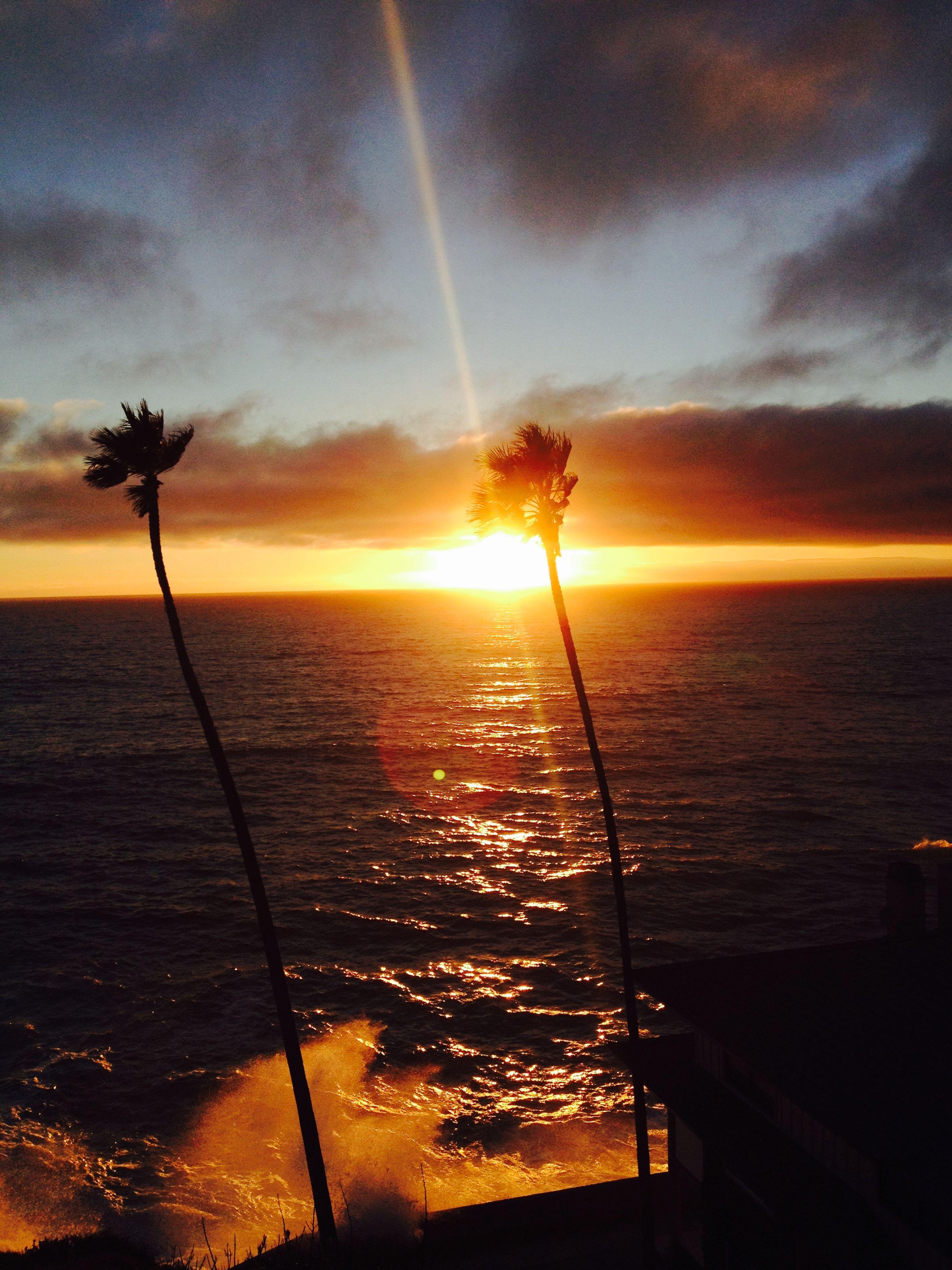 sunset, water, sea, sun, horizon over water, sky, scenics, beauty in nature, tranquil scene, tranquility, orange color, nature, idyllic, reflection, cloud - sky, beach, sunlight, silhouette, sunbeam, cloud