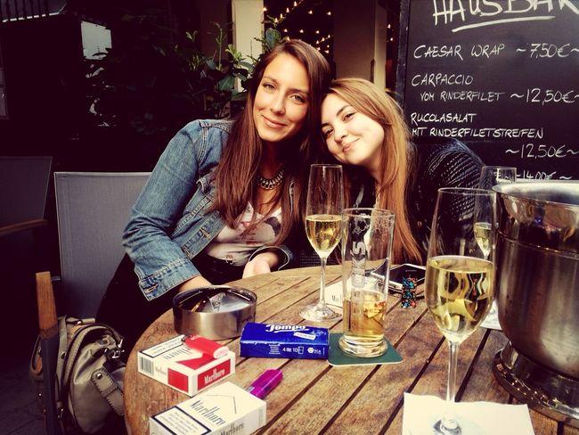 Mal wieder in Düsseldorf mit meinen Mädels :*