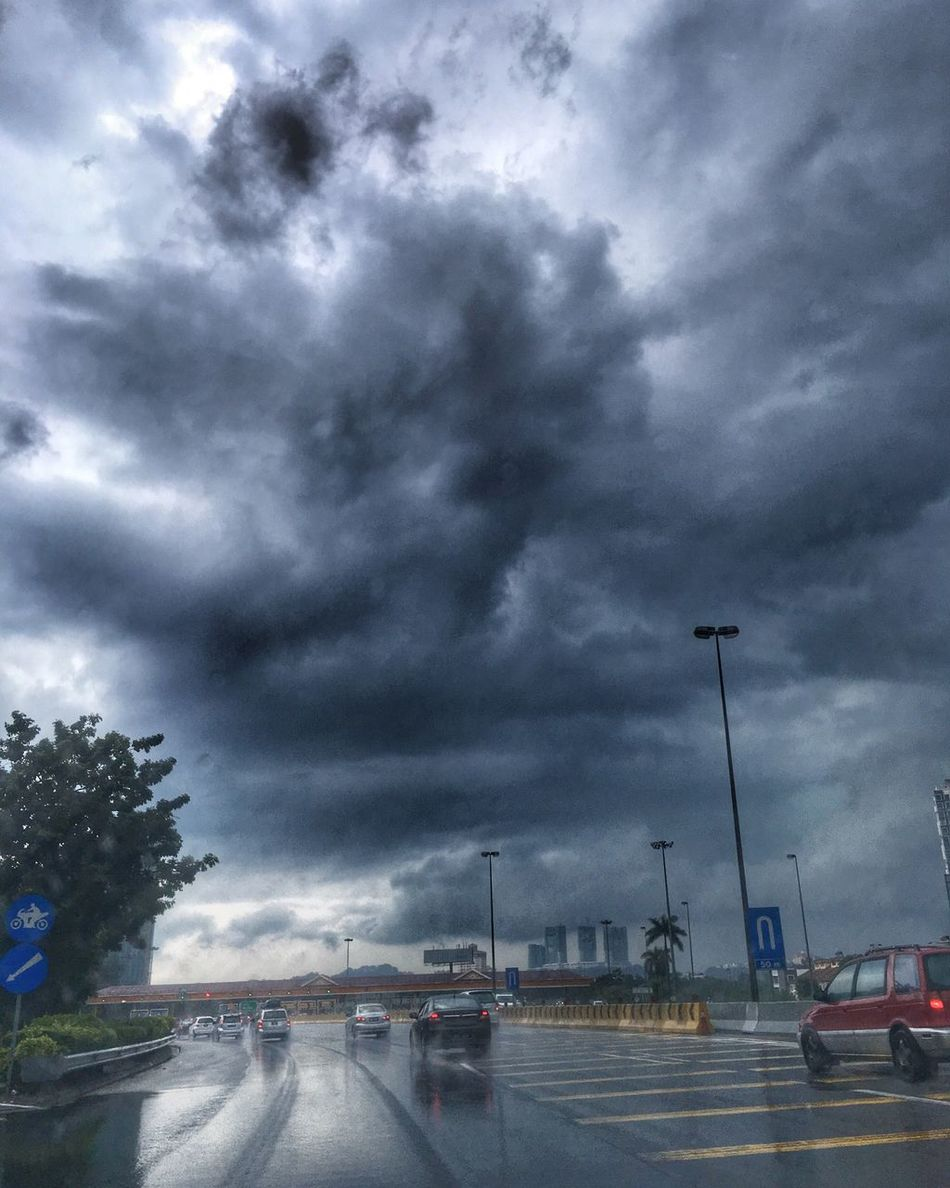 Hello World Check This Out Taking Photos EyeEm Kuala Lumpur Iphone6splus Reiimy Rainy Days Clouds And Sky Cloudporn