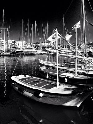blackandwhite at Sanary Sur Mer by Giki