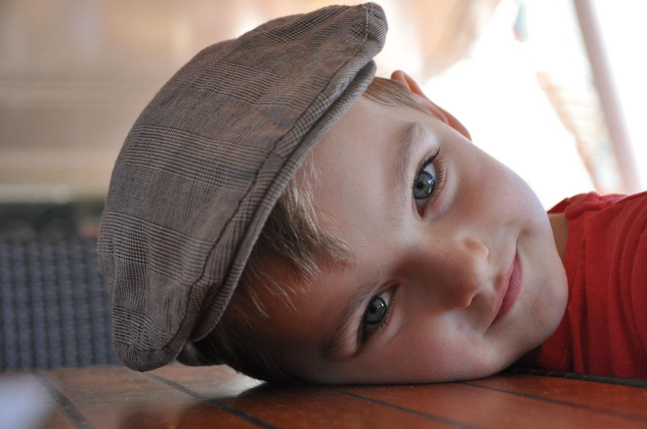Beautiful stock photos of boy, Boys, Cafe, Cap, Caucasian Ethnicity