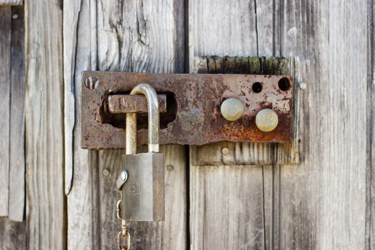 door, wood - material, weathered, old, rusty, close-up, latch, metal, lock, outdoors, abandoned, no people, gate, textured, padlock, day, damaged, protection, hinge, old-fashioned, rustic, nameplate, architecture