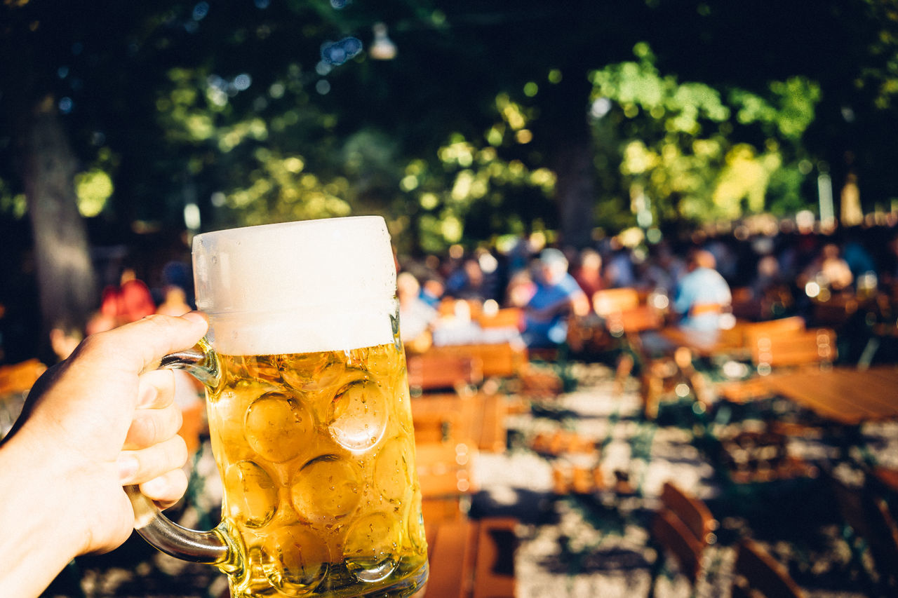 Bavarian Beer Garden Beer Garden Beer In München Beer Time Cheers To Summer Cheers 🍻 Focus On Foreground Freshness Good Summer, Good Beer Lifestyles Ready-to-eat Restaurant Summertime Sunny Day, Beer Time