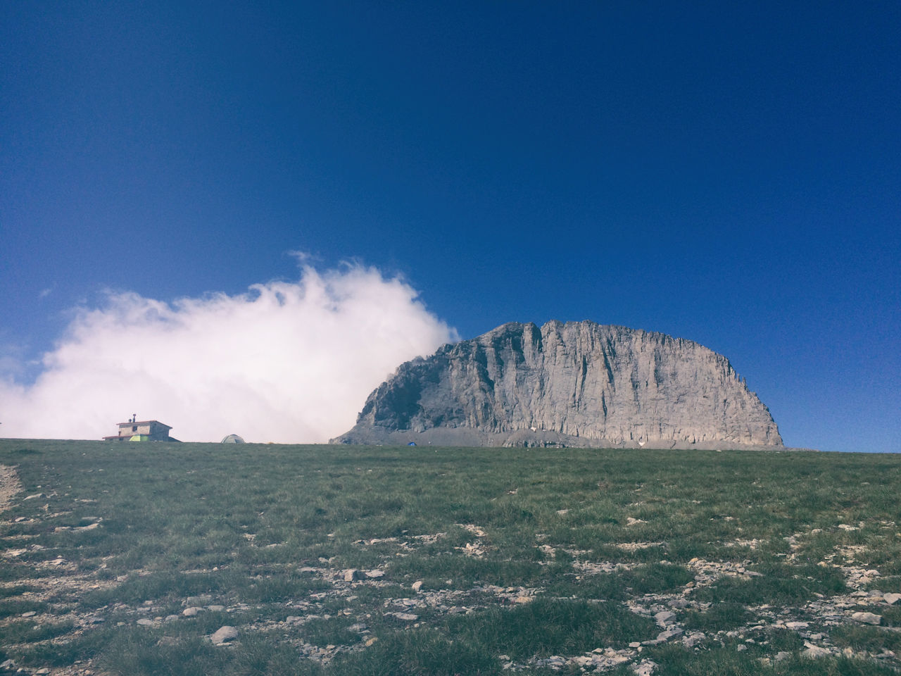 Climbing Cloud EyeEm Nature Lover Landscape Mountain Nature Refuge Rocky Mountains Scenics Sky
