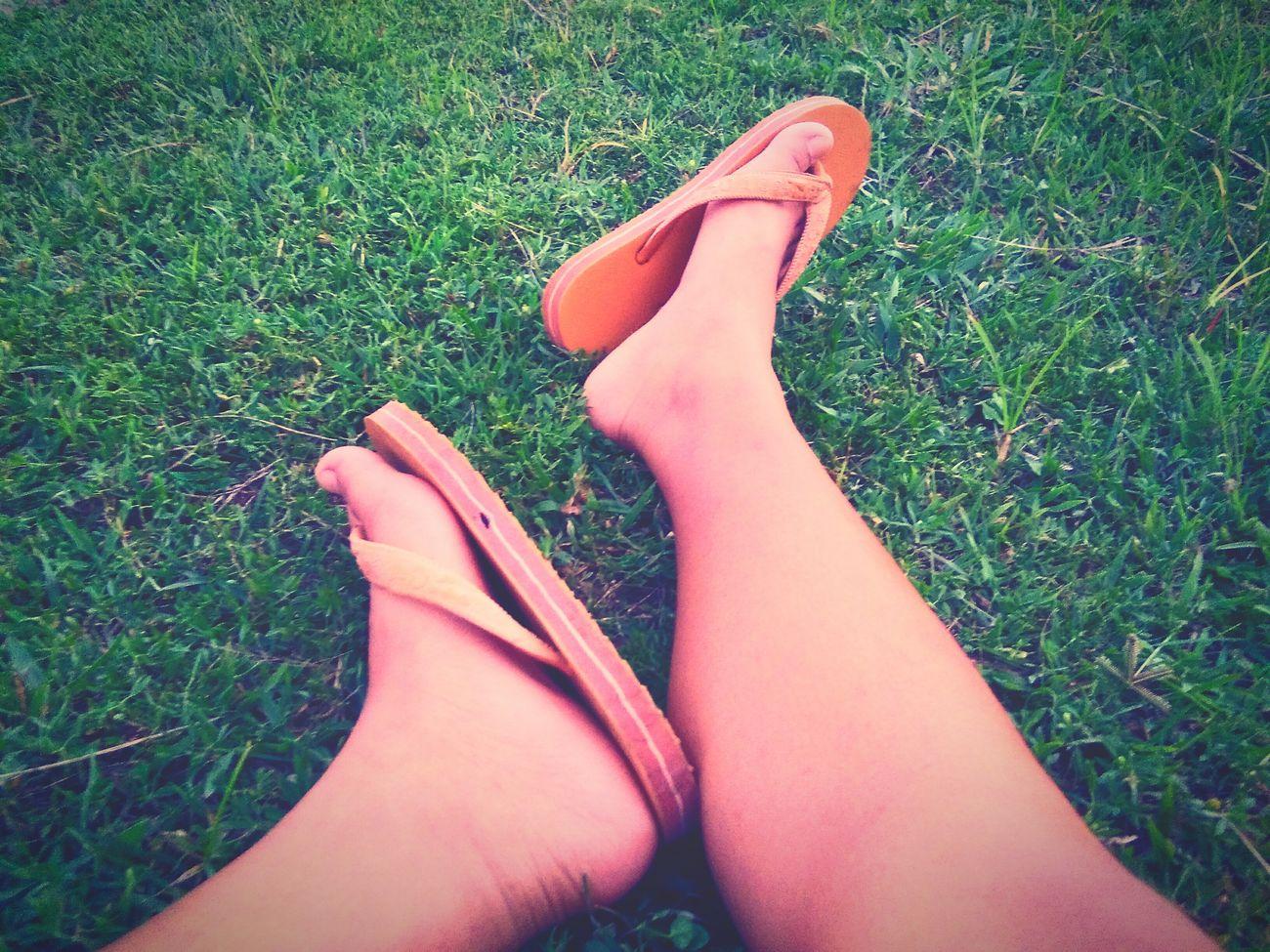 ฉันมีขา สองขาพร้อมที่จะเดินไปข้างหน้า เส้นทางที่ฉันเดินมันคงจะดี ถ้ามีเธอพร้อมเดินไปด้วยกัน