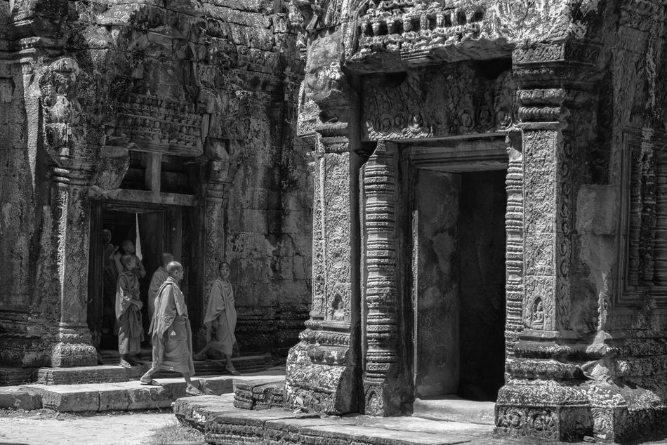 Exploring Ta Prohm Ancient Architecture Art Is Everywhere Black & White Black And White Buddhism Buddhist Monks Bw Bw_collection Cultures Documentary Photography EyeEm Best Shots - Black + White EyeEm Diversity History Monk  Monks Old Ruin Place Of Worship Religion Spirituality The Secret Spaces Travel Destinations Travel Photography TCPM