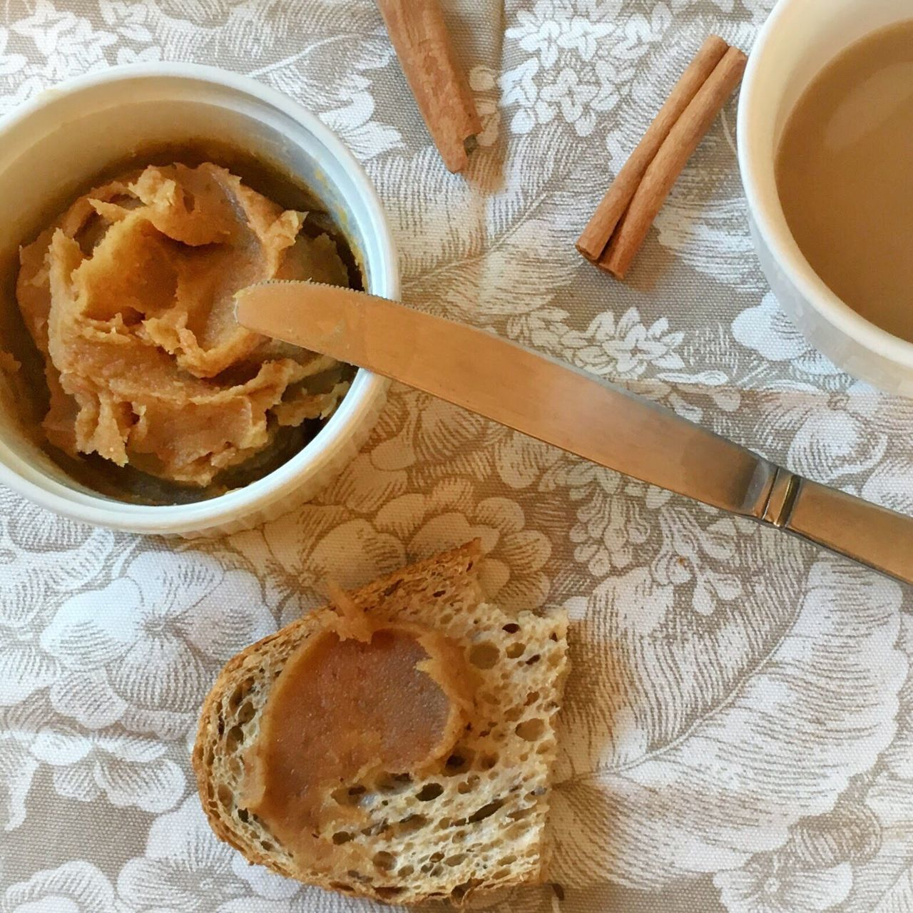 Pear butter and toast morning with a cup of tea Food And Drink Food High Angle View Bread Autumn Close-up Ready-to-eat Arrangement Foodphotography StillLifePhotography Pearbutter Yummy
