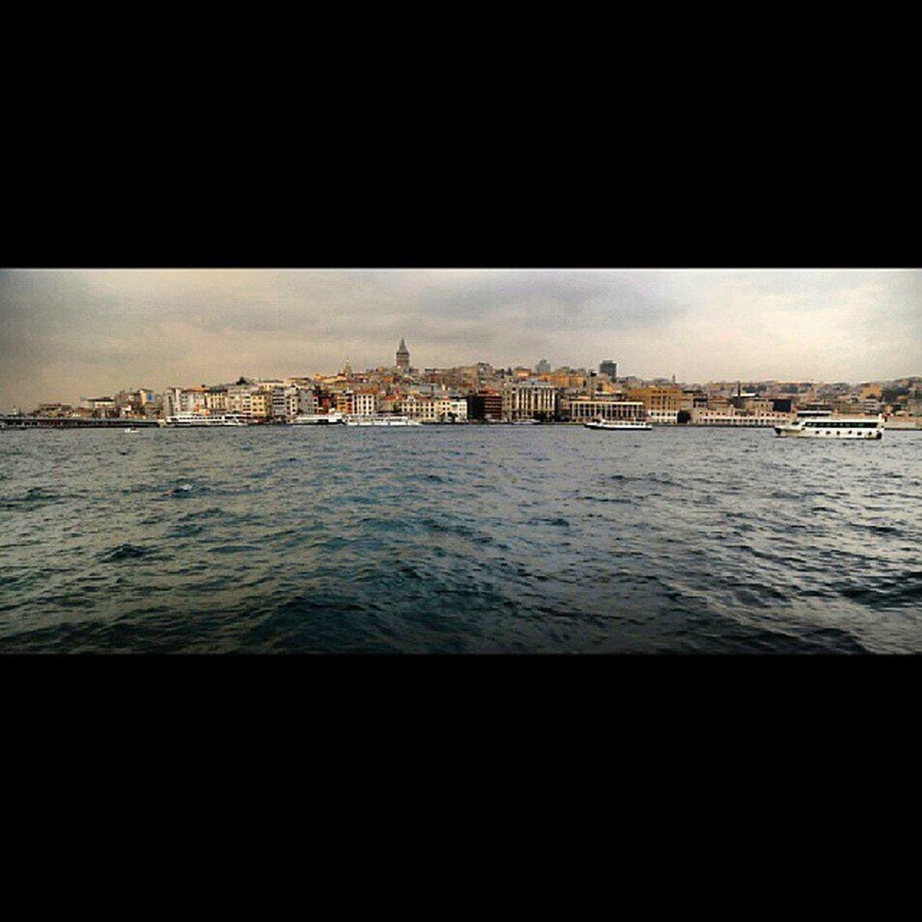 Istanbul Deniz Instafrien Gununkaresi gününfotografı Turkey photos picture sanat gununkaresi webstagram turkishfollowers alacakaranlik likeforlike sea sahil pazar