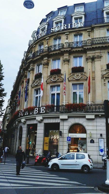 Building Exterior Building City Life Rush Hour Paris ❤ París In Sepia Paris Je T Aime