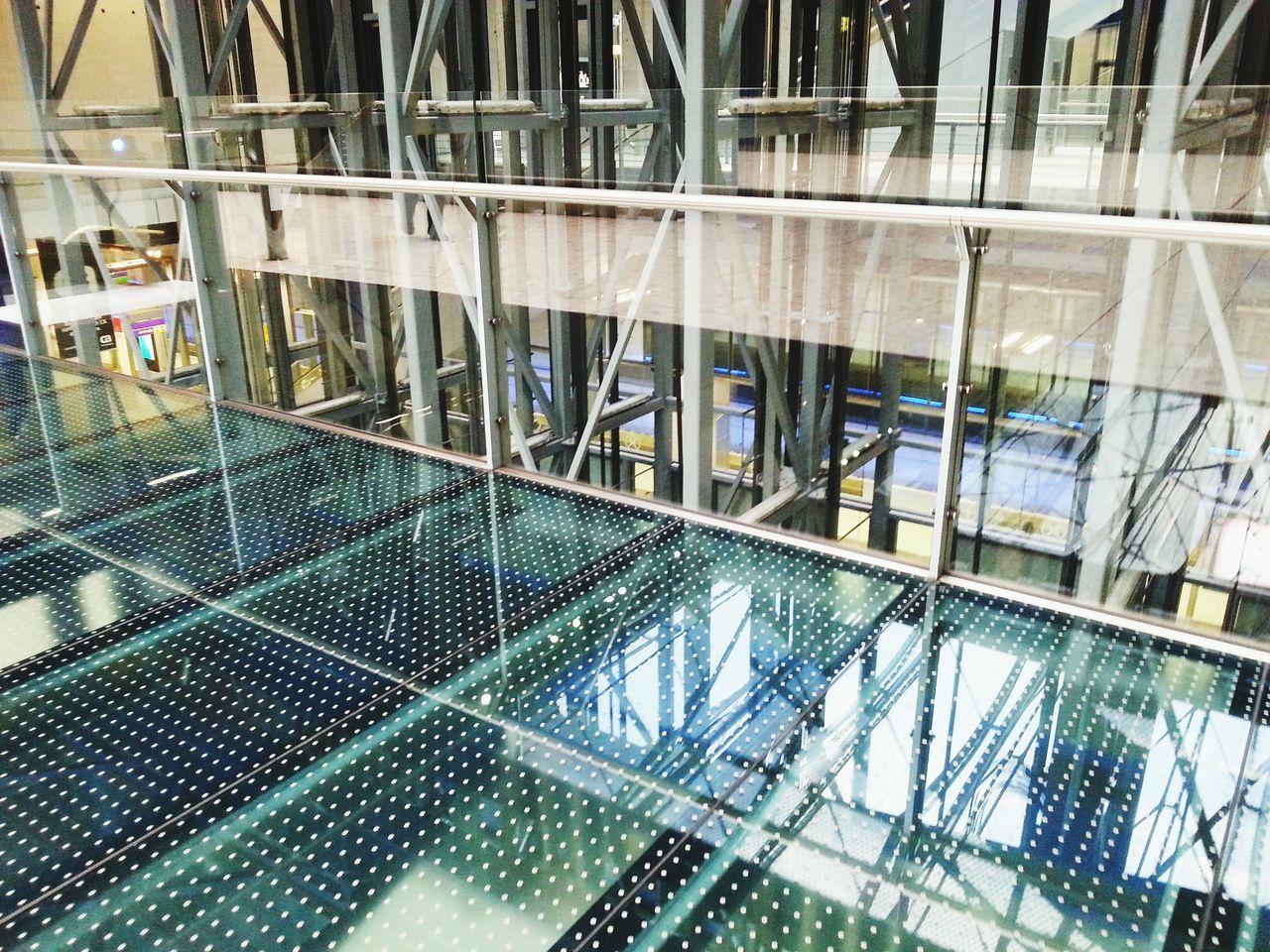 Glass Metal Reflection Urban Geometry