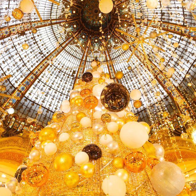 Good night dreamers! faites des beaux rêves! EyeEm Best Edits Paris EyeEm Best Shots Eyem Best Shot - Architecture Architecture Christmas Lights Christmas Tree