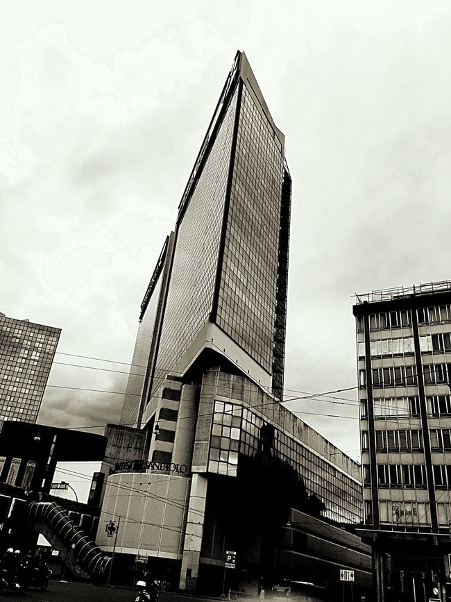 This Is Not London Architecture Windows Building Genova Skyscraper Cloudy Blackandwhite Walking Around Pic Of The Day