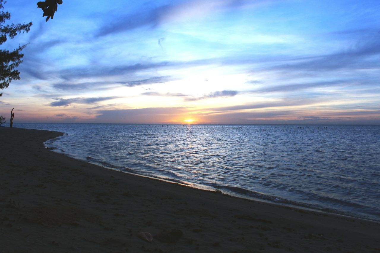 sea, beach, sunset, scenics, water, horizon over water, tranquil scene, sky, tranquility, beauty in nature, nature, sand, cloud - sky, idyllic, no people, outdoors, sun, vacations, day