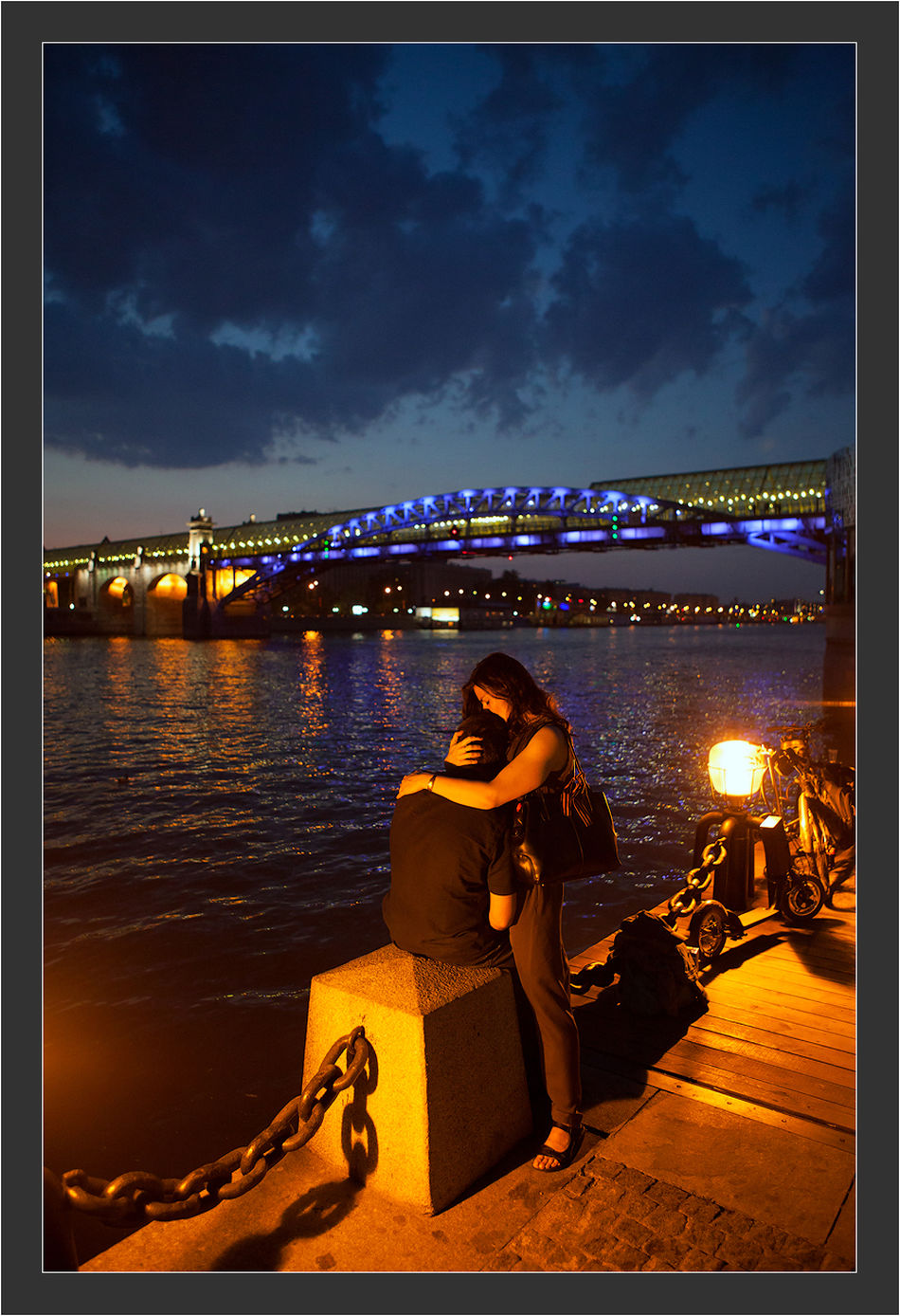 Street Photography Streetphoto Streetphotography Night Illuminated Sky Cloud Riverbank Outdoors Person Togetherness Water Love Love ♥ Bridge Moscow Moscow, Москва Moscow City City Life City StillLifePhotography Still Life Canon 5d Mark ıı Canon EF 100-400 L IS USM