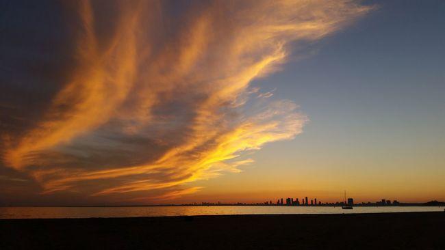 Nofilter Sunset Tranquil Scene Beach Water Horizon Over Water Beauty In Nature Silhouette Sky Shore Cloud - Sky Islands Lake Ontario Toronto Islands YYZ 6ix