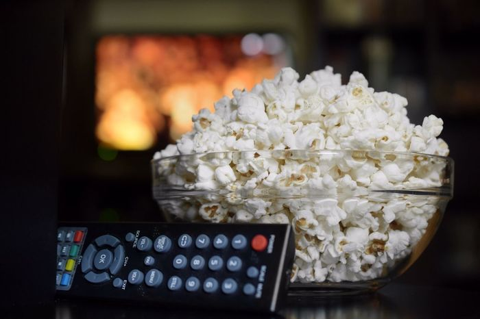 Indoors  Focus On Foreground No People Choice Close-up Technology Food Television Show Day Popckorn Popcorns PopcornTime Popcorn🌽👌