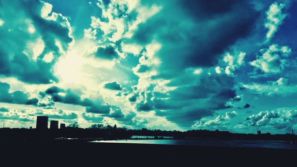 Sky Cloud - Sky Beauty In Nature Nature Sea Silhouette No People Scenics Day Water EyeEmNewHere EyeEm Diversity Art Is Everywhere Structures & Lines Backround Backgrounds Skylines Siluette Silhouette Silhouettes Silhoutte Photography Silhouette Photography City Nature Beatiful