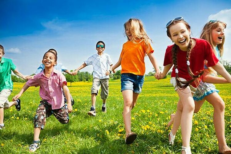 Child Happiness Togetherness Fun Boys Childhood Smiling Summer Group Of People People Girls Grass Carefree Enjoyment Friendship Leisure Activity Males  Outdoors Vitality Full Length First Eyeem Photo