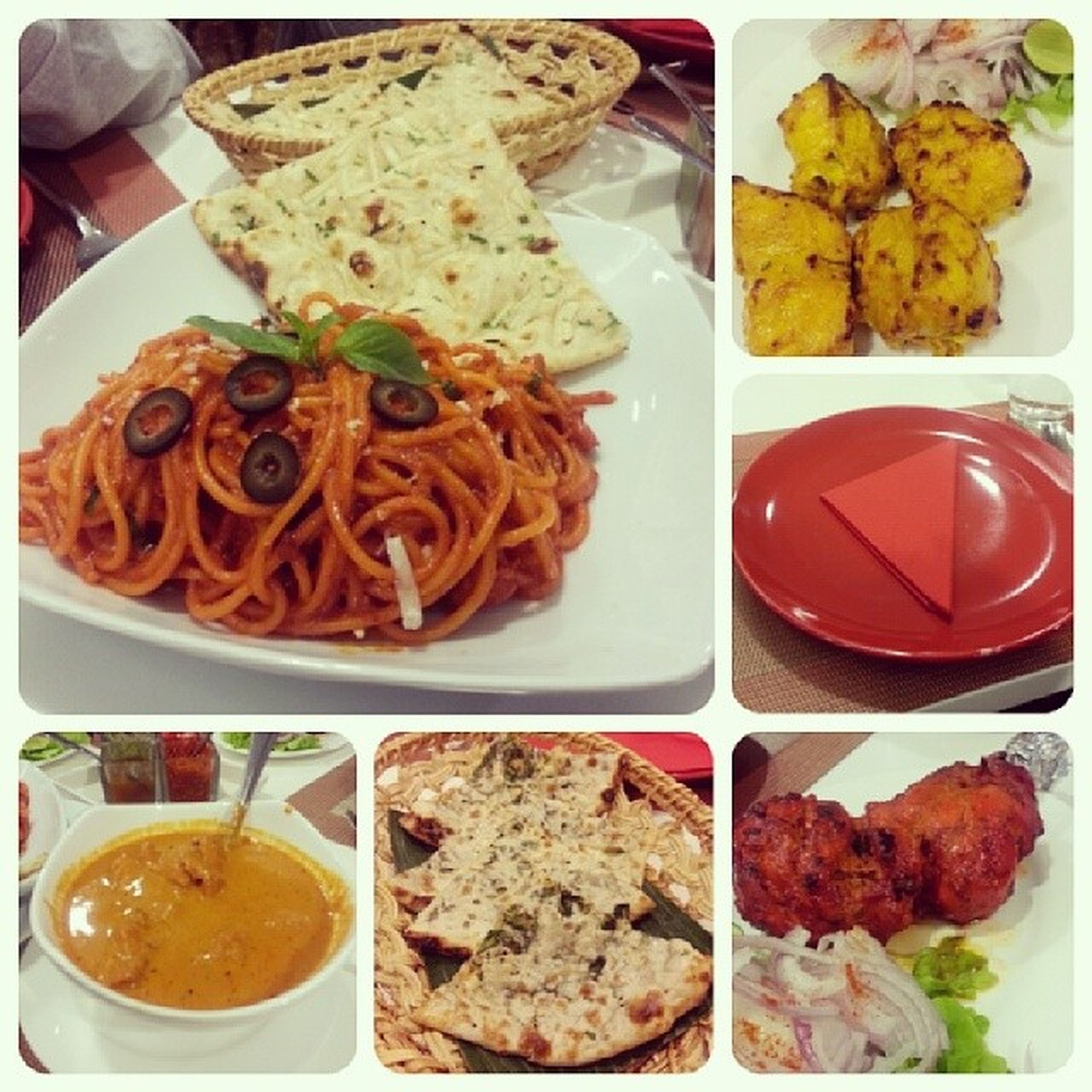 Indian Foods for Lunch with Colleague ... Too Redish ^^ ลองทานดู ก้อโอนะ แต่ไม่ถูกปากเท่าไหร่