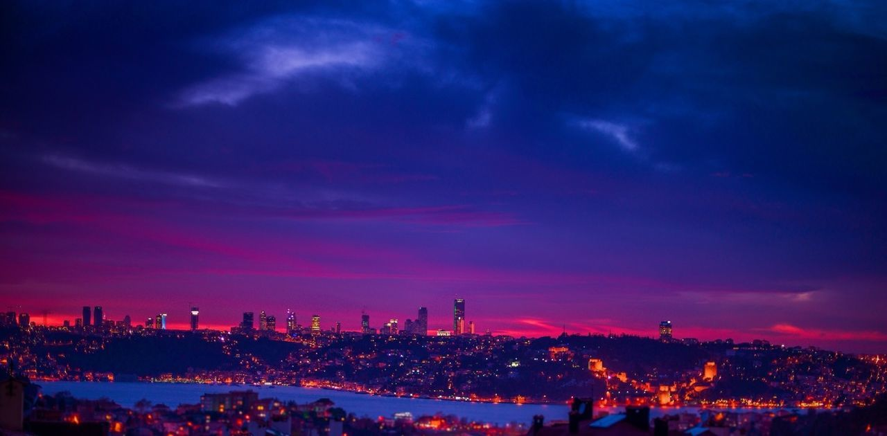 Relaxing Sunset Landscape Taking Photos Blue Night Lights Red Clouds And Sky Istanbul Popular Hello World Great Atmosphere Instagram #sunset #sun #clouds #skylovers #sky #nature #beautifulinnature #naturalbeauty #photography #landscape Eye4photography  Bisgen Instagood