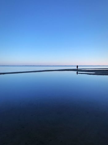 Reflection Nature Clear Sky Water Blue Scenics Tranquil Scene Outdoors Beauty In Nature Lake Dusk Silhouette TheWeekOnEyeEM EyeEmBestPics EyeEm Best Shots EyeEm Best Edits Rêverie Bassin D'Arcachon Nature Cold Temperature Horizon Over Water Horizon Lost In The Landscape