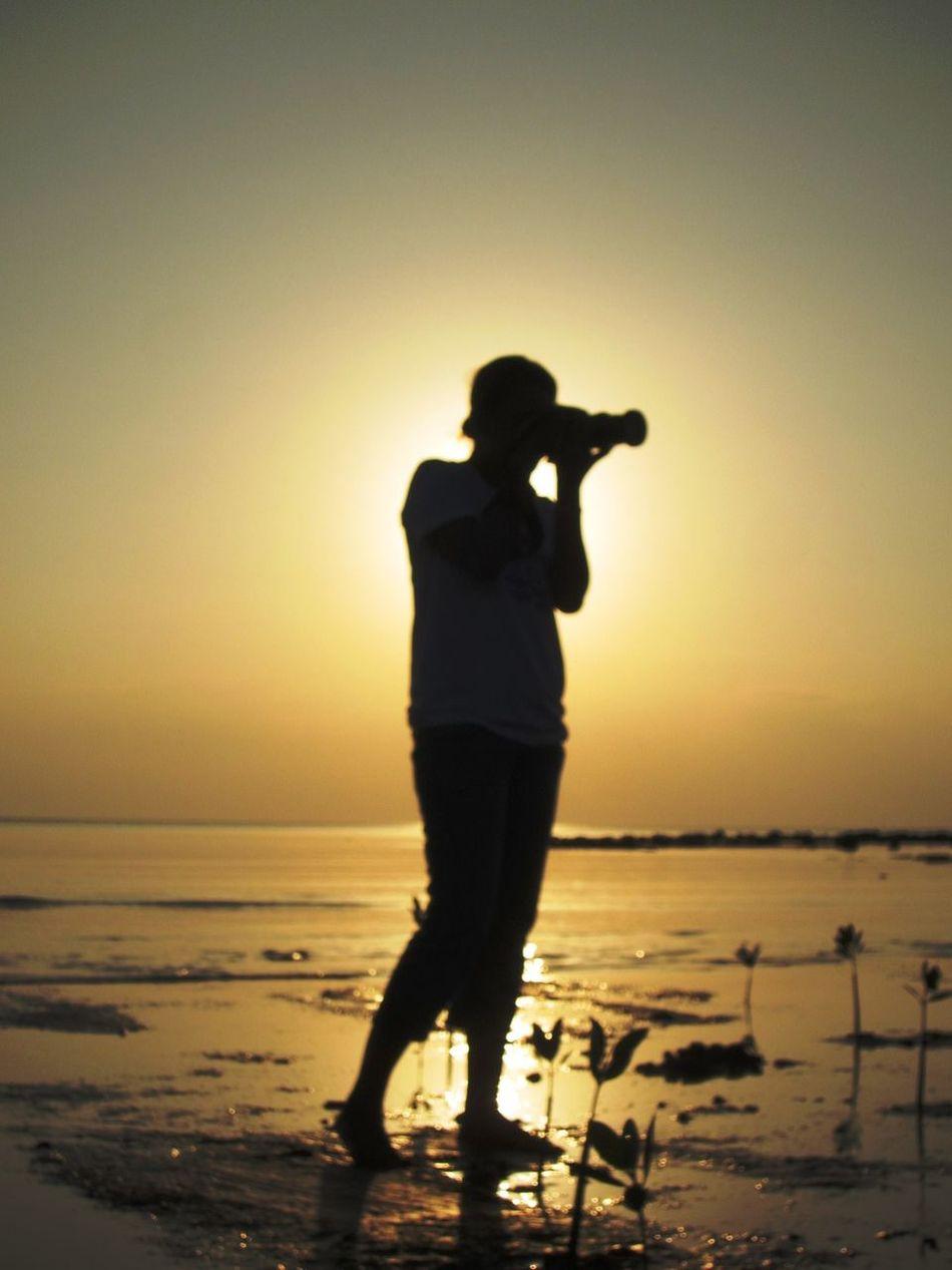 photographer's sunset Beauty In Nature Horizon Over Water Photographer Photography Sea Silhouette Sunset Tranquility EyeEmNewHere