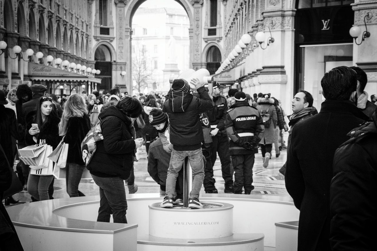 The Tourist Europe Italy Milano People Children Street Photography Black And White EyeEm Gallery Popular Photos Nikonphotography Showcase: February Social Eyemphotography Amazing_captures Galleria Vittorio Emanuele Saturday