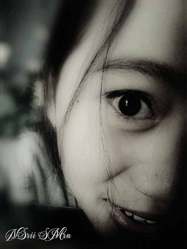 Grils Eyes Face Happy Blackandwhite Followme Thanksforfollowing Thanksforlike Nsrii_smrn