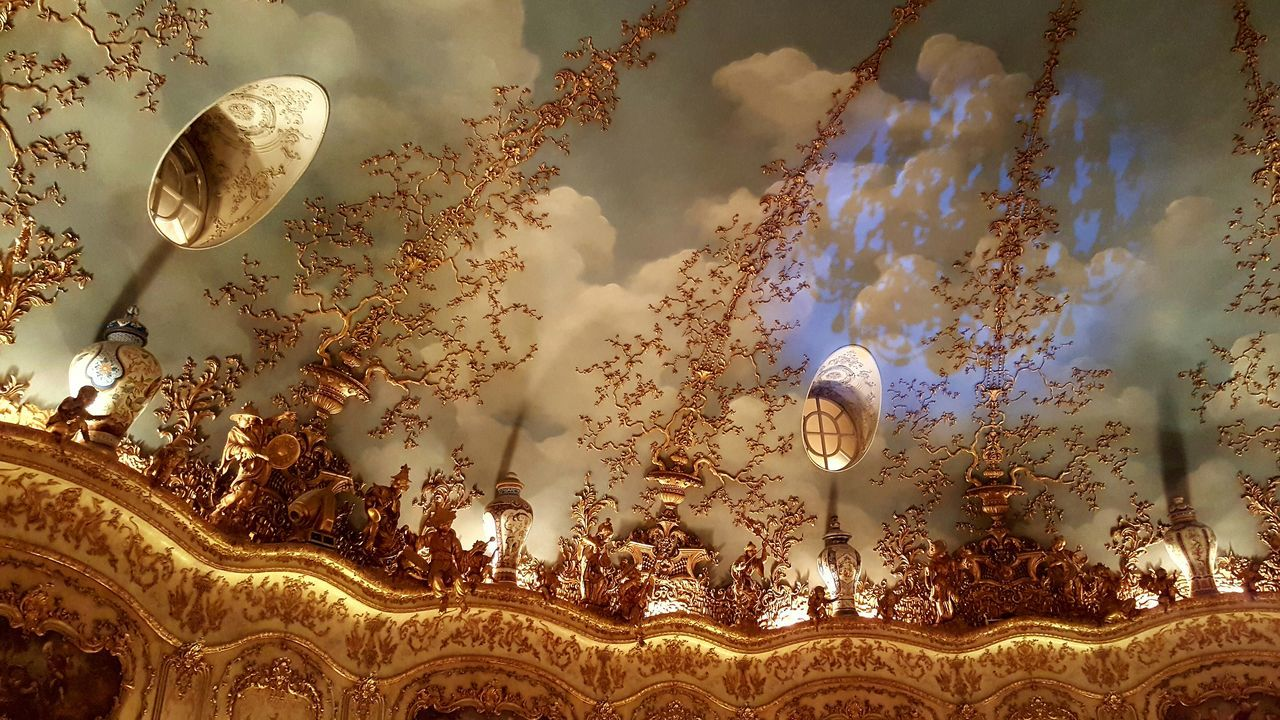 No People Indoors  Rococò Style Elégance Rococostyle Rococo Posh Restaurant Ceiling Chinese Figurine Luxury Lifestyle Beautiful Ceilings Gold Colored Golden Baroque Style Turandot Restaurant Moscow Baroque Restaurant Turandot Russia Moscow Posh Luxury Architecture Celing Full Frame