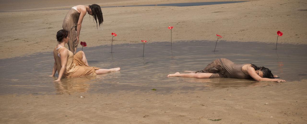 Beautiful stock photos of hochzeitstag, beach, sand, friendship, lifestyles